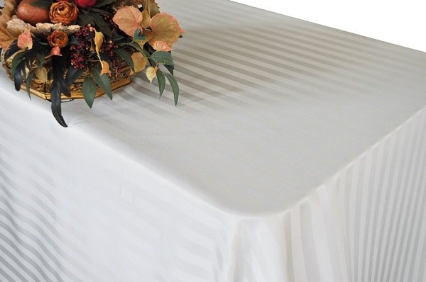 Fancy 120''R Polyester Jacquard Strip Rectangle White Tablecloth