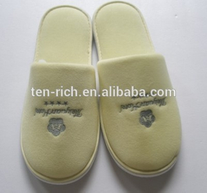 female custom furry winter warm rubber lady indoor women's slippers factory
